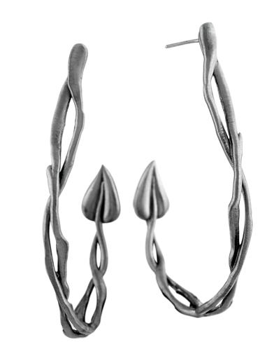 STEM BRANCH HOOP EARRING