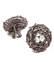 FAMILY NEST  BUTTON EARRING